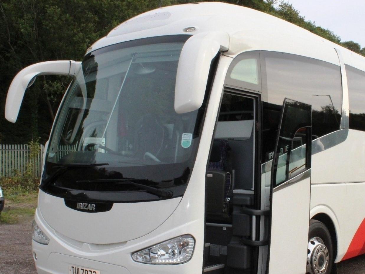 Irizar i6 Luxury Coach Front